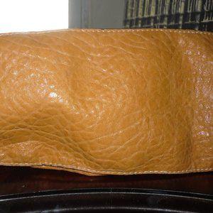 Handbags - Perfect bag that fits all your essentials